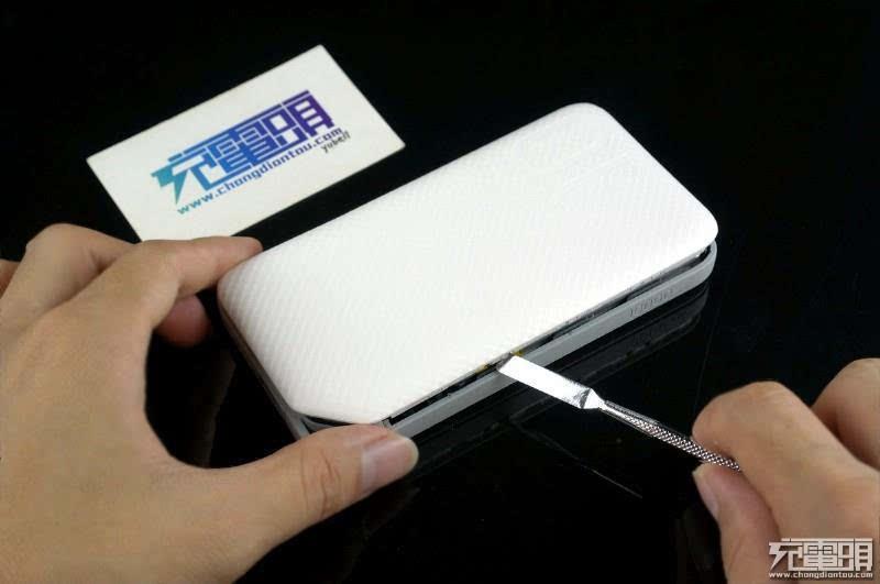一加3充电器拆解 小米5标配充电器拆解测试:做工扎实 全新快速充电器