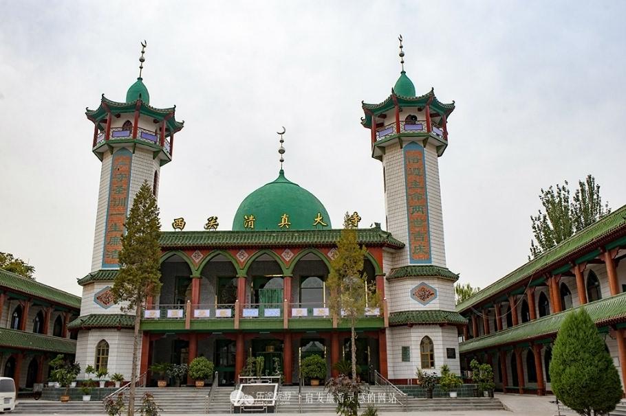 西关清真寺有浓重的伊斯兰风格 摄影: -宁夏,别样的回族风情