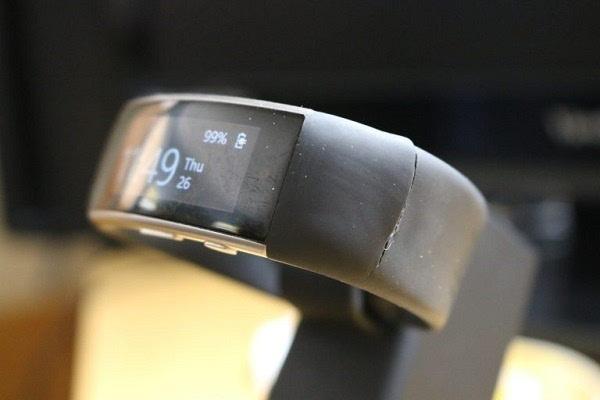 Band 2手环腕带老开裂?微软已在1608批次中使用了加强材料的照片 - 1