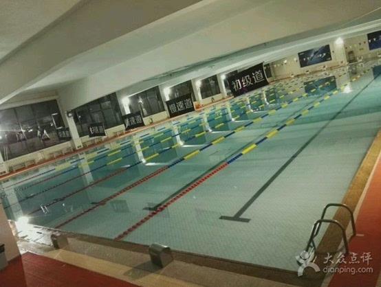 妈妈带宝宝变身小美人鱼 这个夏日玩转北京游泳馆攻略