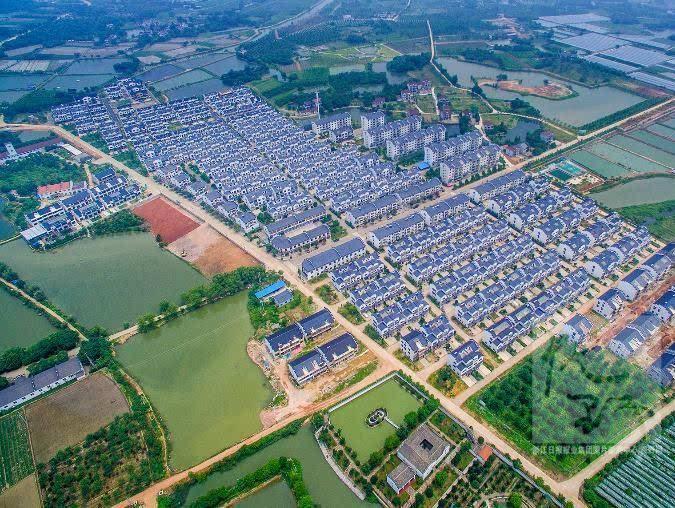 经济总量最多的村_我国经济总量照片