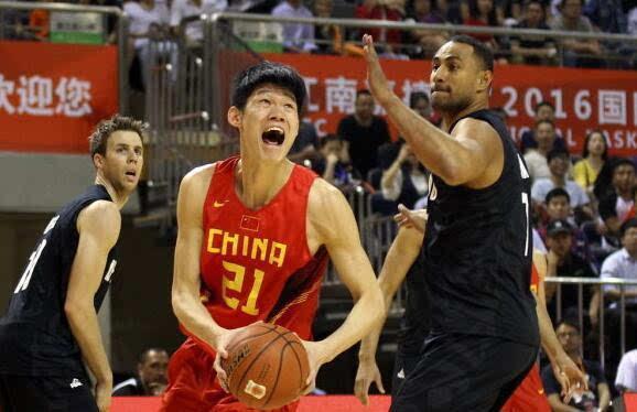 6月22日国奥男篮热身赛中国国奥VS立陶宛在