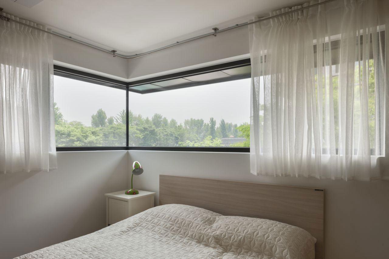 卧室窗子设计图片