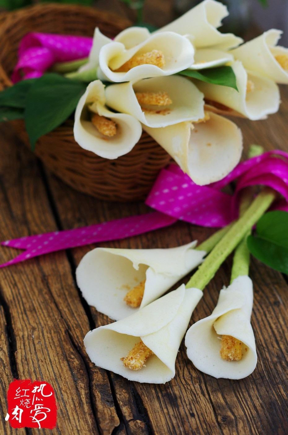 柴鸡蛋 (6个) 低筋粉 (300g) 木糖醇 (160g)    辅料:    菠菜叶