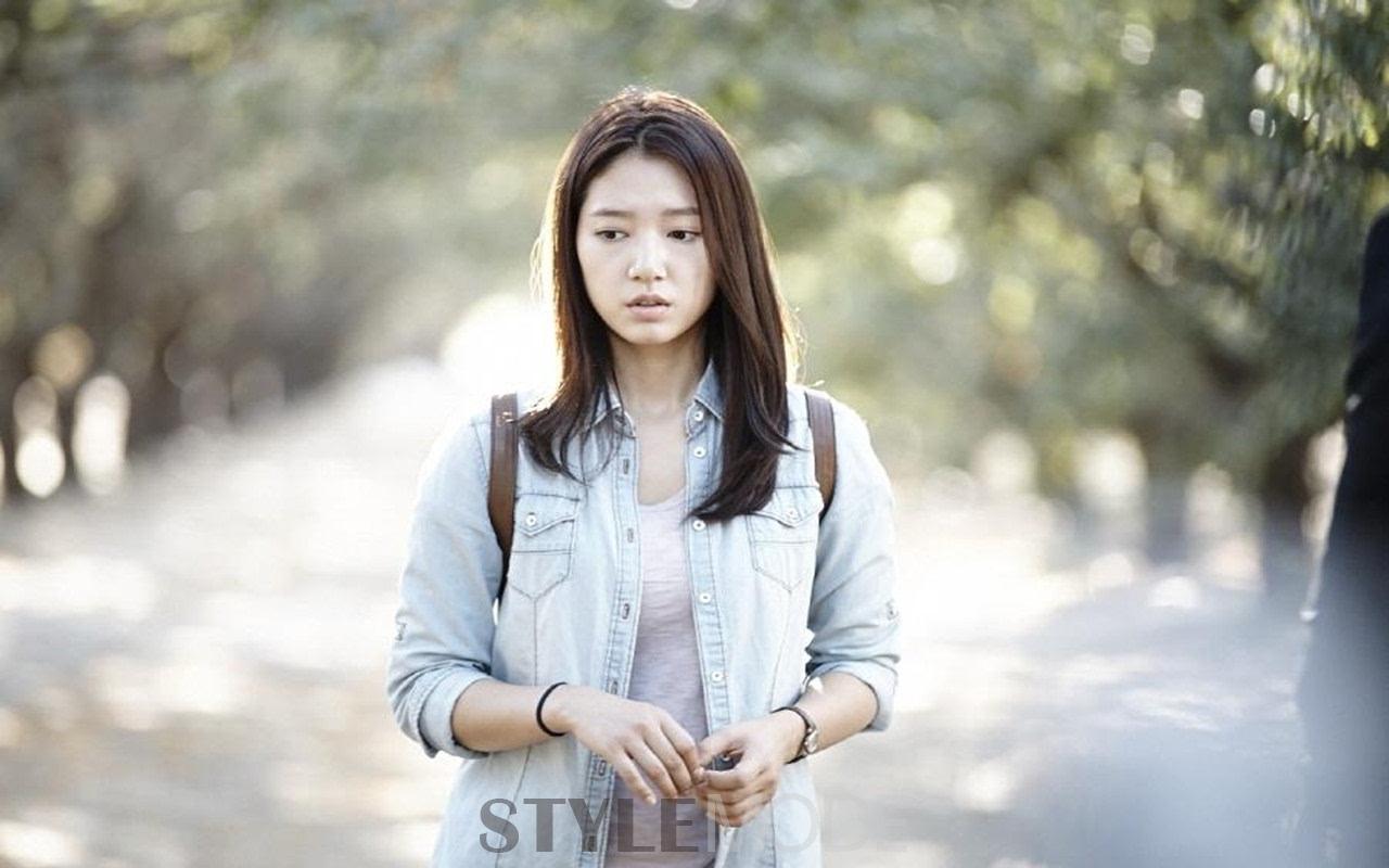 时尚 正文  《继承者们》也是朴信惠在2013年出演的一部电视剧,与