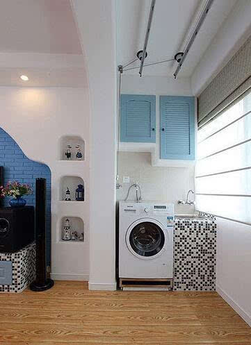 这样洗衣服比较方便,晒衣服也方便,那么,洗衣机放阳台怎么装修设计