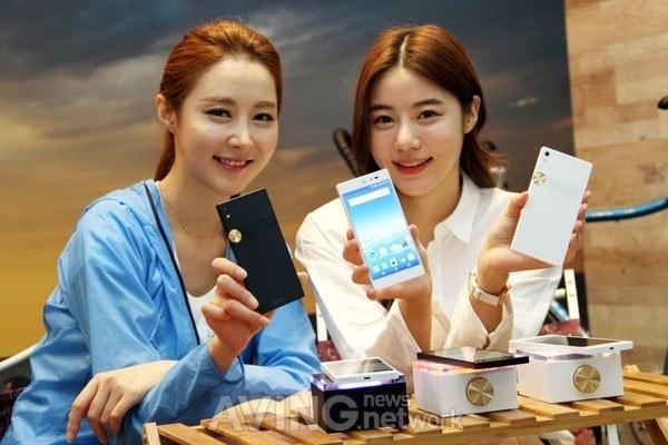 泛泰重返智能手机市场 新机定价2559元的照片 - 1
