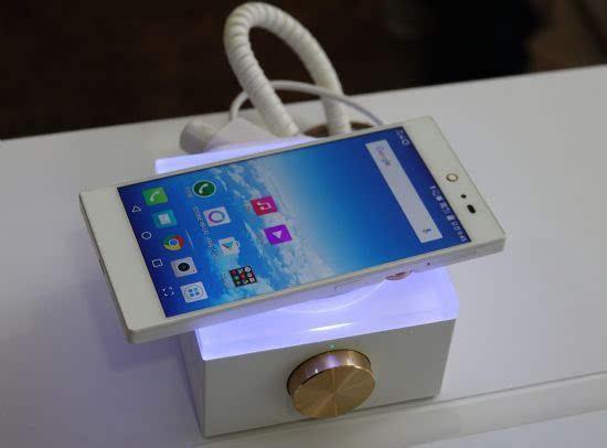 泛泰重返智能手机市场 新机定价2559元的照片 - 3