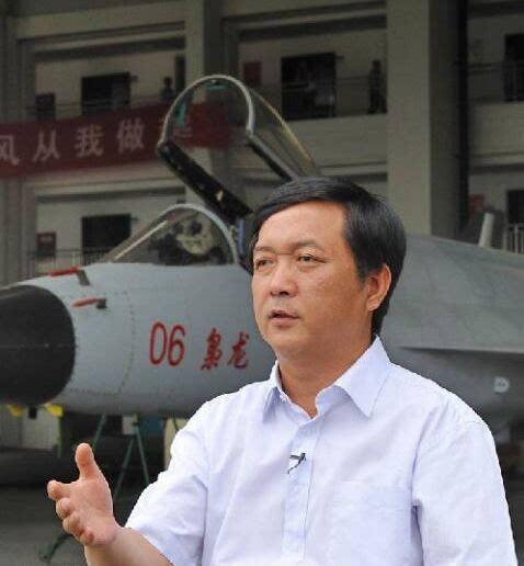 杨伟是我国新一代歼击机电传飞控系统的组织者和