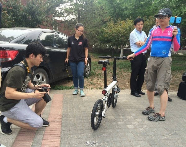 小米米家2999元电动助力自行车现场实拍:小巧玲珑的照片 - 1