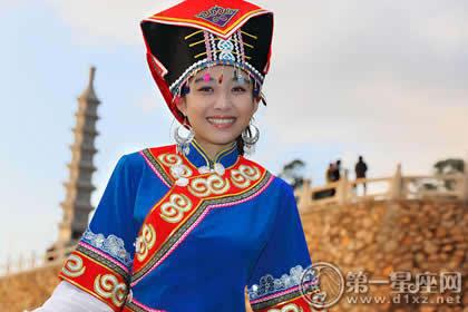 纳西族服饰_2010年纳西族人口