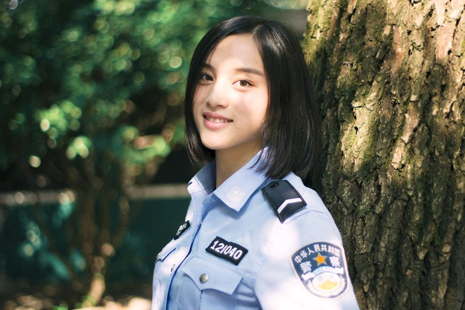 台湾av无码老片警花玫瑰_你的职业生涯是做最美警花吗?