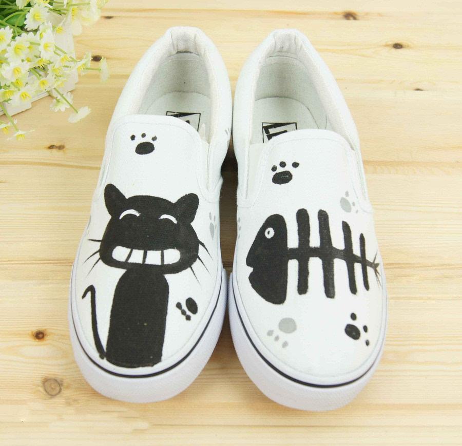 手绘鞋龙猫图片