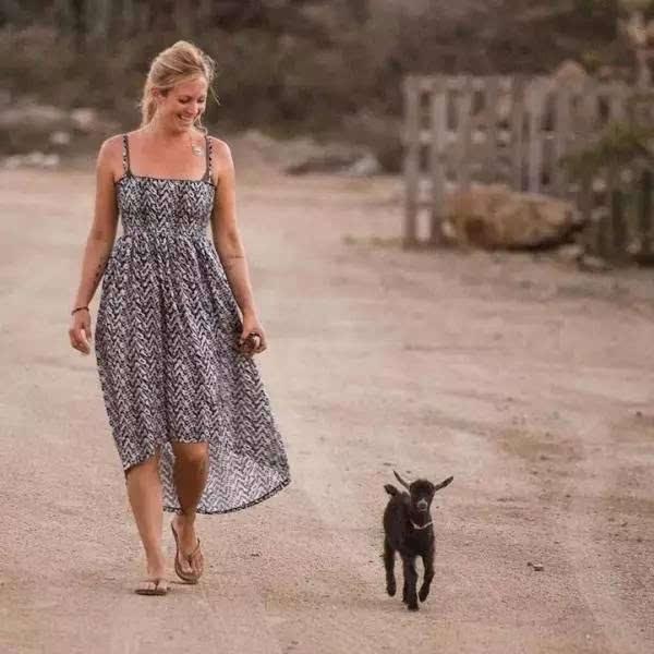 跟山羊宝宝搭档练瑜伽,是怎样一种体验?