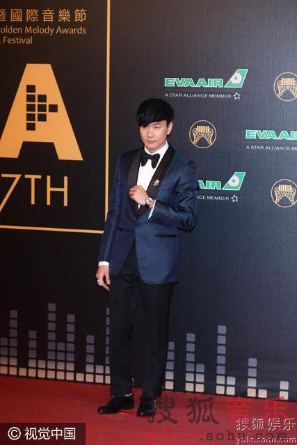 第27届金曲奖红毯 林俊杰黑色礼服帅气亮相图片