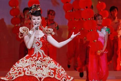 她和汤灿陈思思齐名,嫁给春晚导演,被爆整容,综艺节目上惊艳众