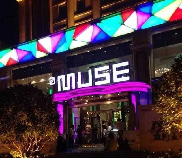 郑州这14个真人比去酒店啪啪啪更有地方全去情趣内衣女人秀情趣图片
