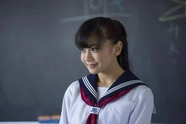 姬野爱美女警察办案被奸_这个姑娘,名叫姬野爱子,是一位新转学到男主班上的可爱女生.