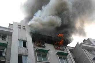 ... 兰州某小区一女子8楼坠亡,邻居随即发现其家中起火图片 7833 329x220