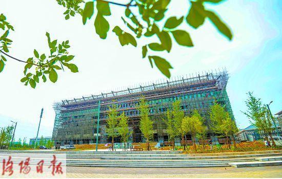 洛阳师范学院新校区图书馆封顶