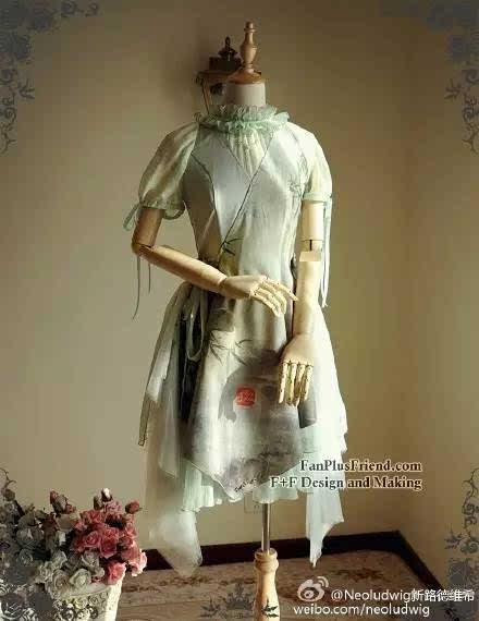 来看一下国内一些非常棒的原创品牌所设计和贩售的中国风lolita洋装吧图片