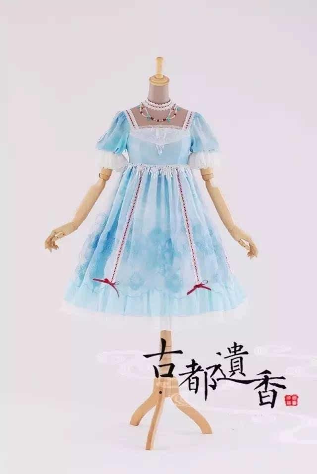 来看一下国内一些原创品牌所设计的中国风lolita洋装吧~ 白月lolita