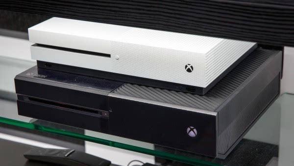 玩家质疑Xbox One S虚假宣传:根本没那么小的照片 - 2
