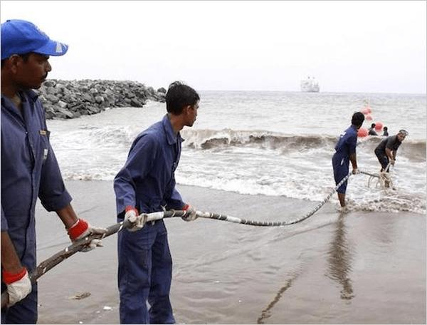 谷歌启用史上最快海底光缆 速度提升1000万倍的照片 - 1