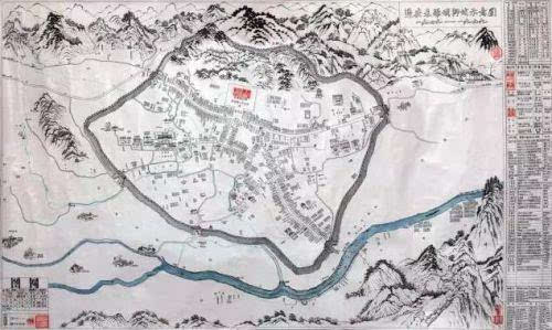 用40年时间完成了手绘地图,再现了古城内的山川,河流,村落,街道,随后