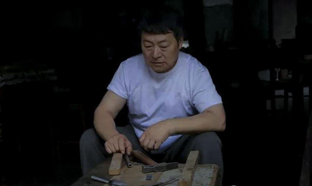 老街娄塘嘉定上有一位最牛铁匠,徒手敲出桑塔美女激照片萌图片