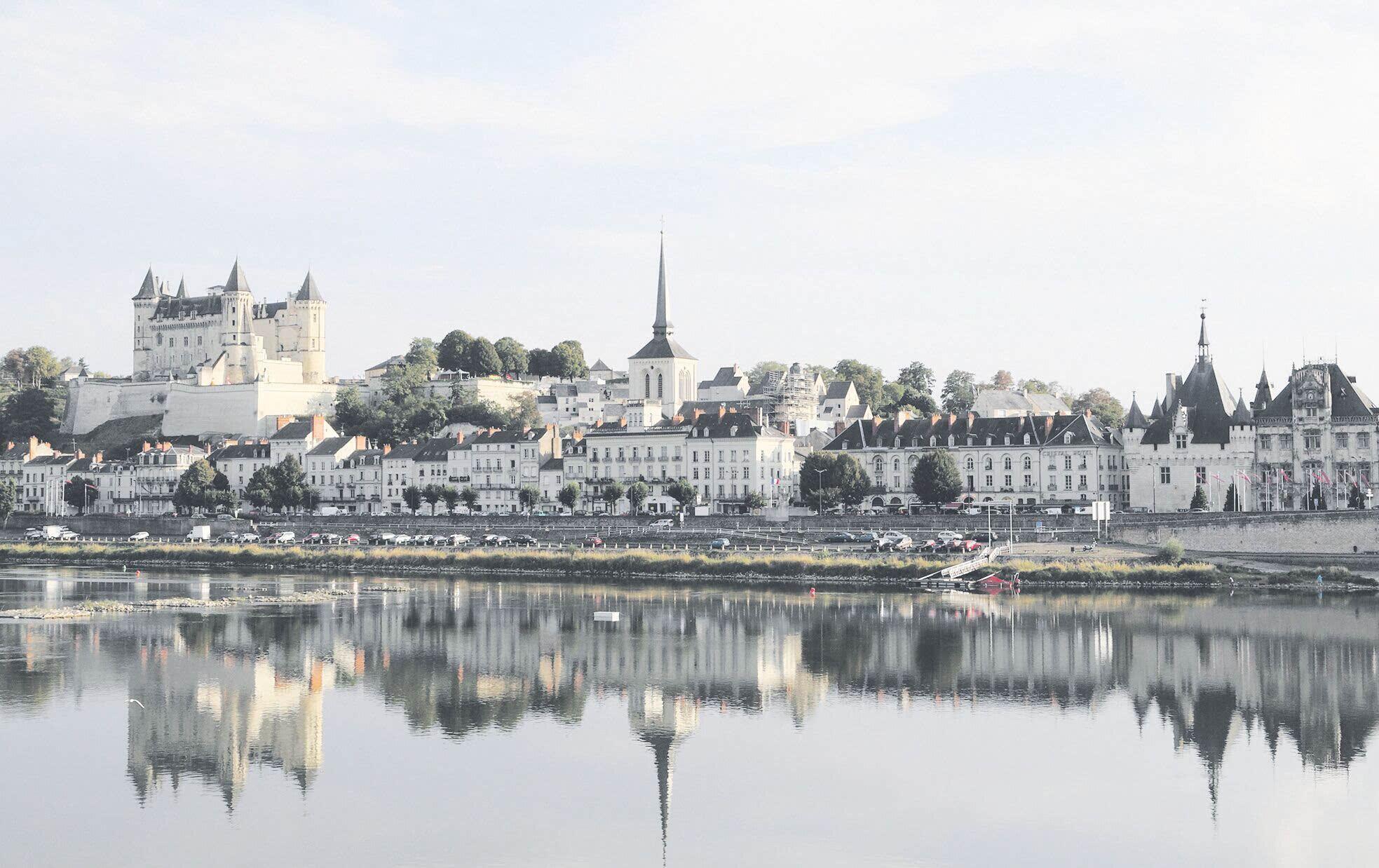 尔:卢瓦河畔的古堡倩影   饱览法国诺曼底海岸线的旖旎风光后,环法