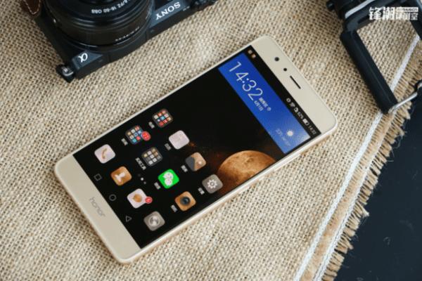 荣耀首款大屏手机亮相工信部:或为荣耀V8 Max的照片 - 3
