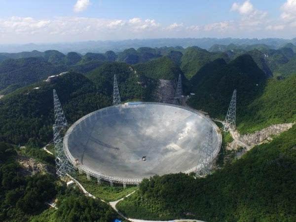 """揭秘全球最大""""天眼"""":4450个反射单元拼成的照片"""