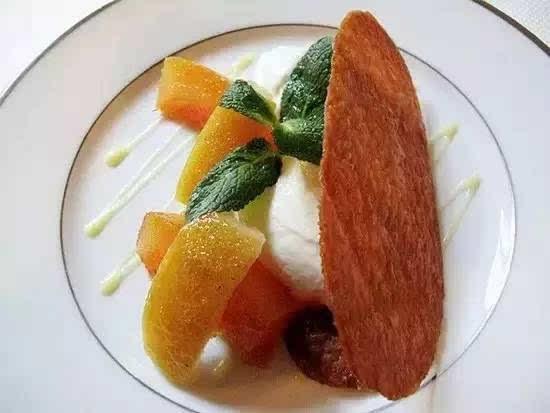 米其林的星级只反映菜肴的素质,而并不包括餐厅装潢设计图片