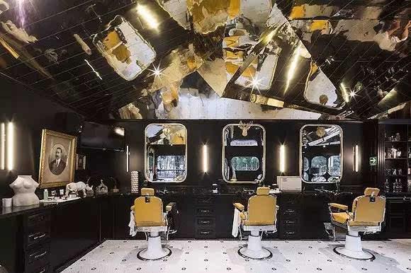 墨西哥的这家理发店让你在剪头发前先喝一杯图片来源图片