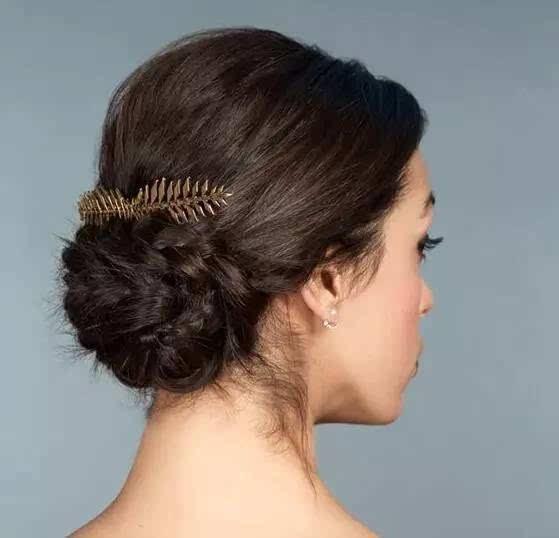 古典精致盘发让你比女王更加优雅图片