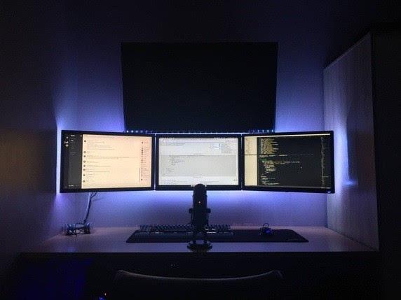 国外程序员的办公桌是什么样的?