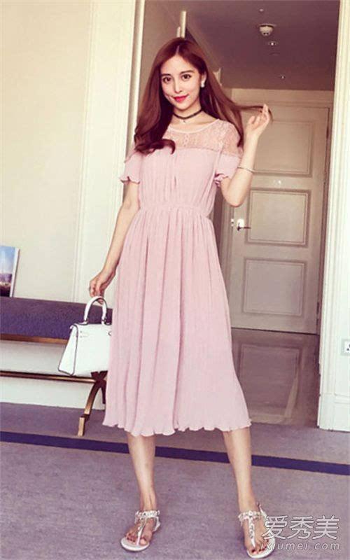 夏季连衣裙最受宠 连衣裙美女街拍图片