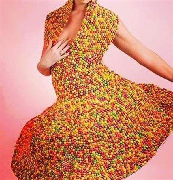 一英国女子征集网友毛发做了条裙子的照片 - 5