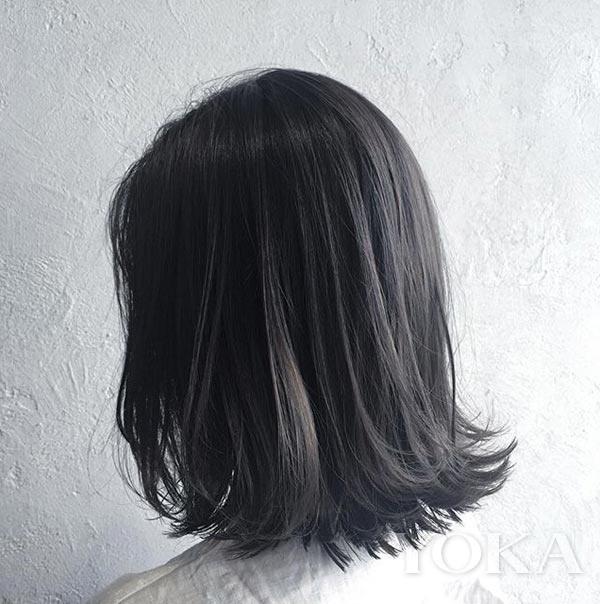 让黑发不只黑色,今年流行给头发化上雾面妆图片