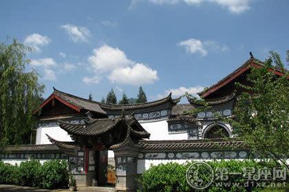 历史悠久的传统建筑,纳西族民居特点