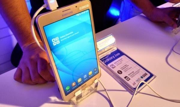 三星发布Galaxy J Max:1335元+7吋巨屏+超大电池的照片 - 1