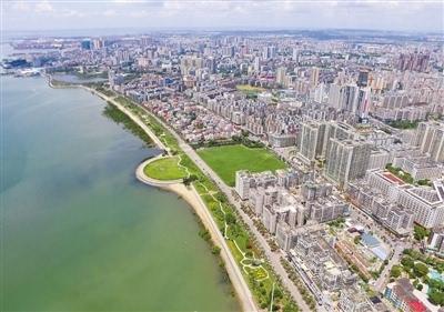 """湛江正在全力打造以""""五岛一湾""""(特呈岛,南三岛,东海岛,硇洲岛,南屏岛"""