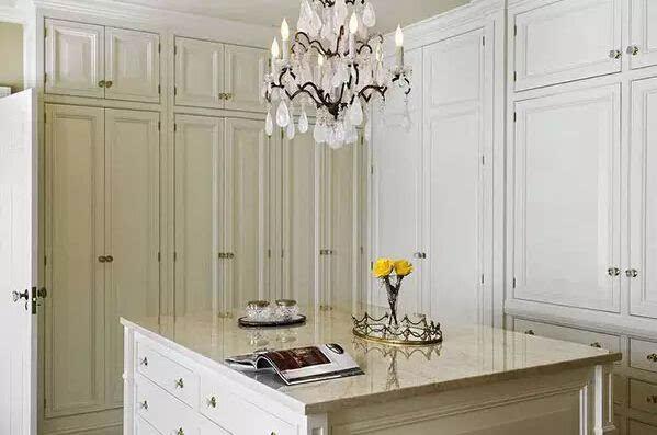 欧式复古衣柜——高贵优雅
