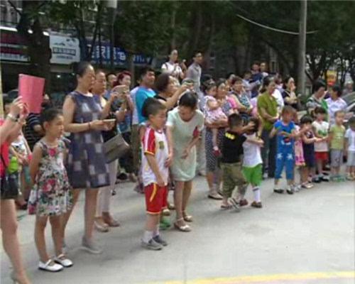 社区人口日活动_社区人口普查照片