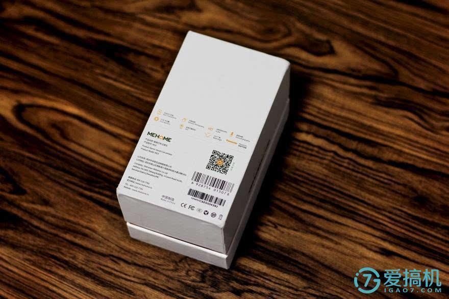米家魅航mc6行车记录仪的外包装设计酷似时下大部分手机包装,简洁实用