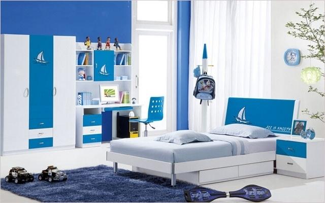 原标题:阳光贝贝家具 阳光贝贝家具属于川系家具中重要的一个家具品牌。儿童家具,在环保以及结构方面,都比普通的家具要强上许多,选购儿童家具,最好选择品牌的产品! 儿童家具是目前家具市场上最受消费者欢迎的一种家具类型,其材质的环保、产品的质量以及款式新颖等诸多方面都有一定的要求,甚至比市场上的其他家具还要高。而阳光贝贝作为儿童家具品牌中强有力的一员,其质量和价格怎样呢,下面我们就具体来看看。 阳光贝贝儿童家具:简介  阳光贝贝儿童家具隶属于成都金泰莱家具公司,该公司成立于2002年,是一家专业制作儿童家具的大