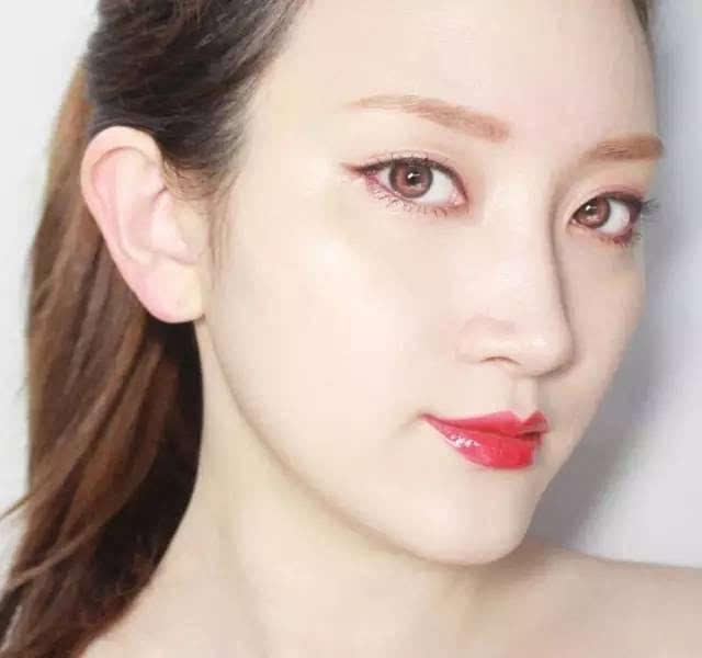 魅惑少女妆_第三款: 这款少女感妆容,简直是大写加粗的美丽,让你的颜值指数飙升.