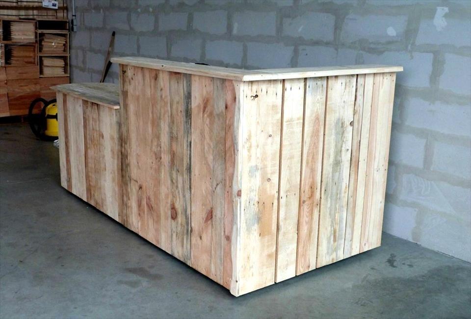用木托盘diy个活动酒吧台