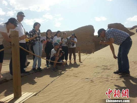 内蒙古面积大人口为什么少_内蒙古人口分布图